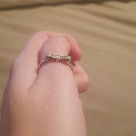 900a86ec0 Pandora Sparkling Bow ring. M_5a4d4b6bdaa8f626dd0282fa
